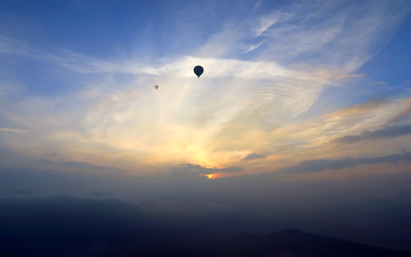 Enjoy travel in Costa Brava with a hot air balloon flight.