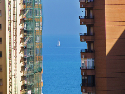 Ship between the buildings, Malaga