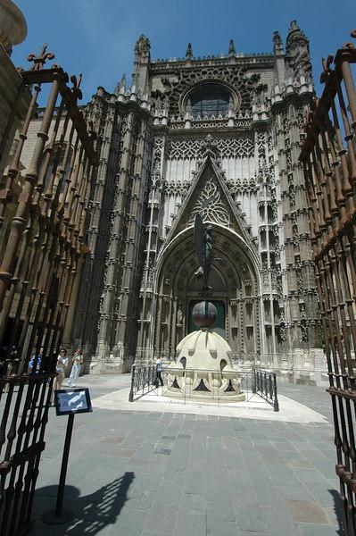 Sevilla - Cathedral & Giharaldi Tower