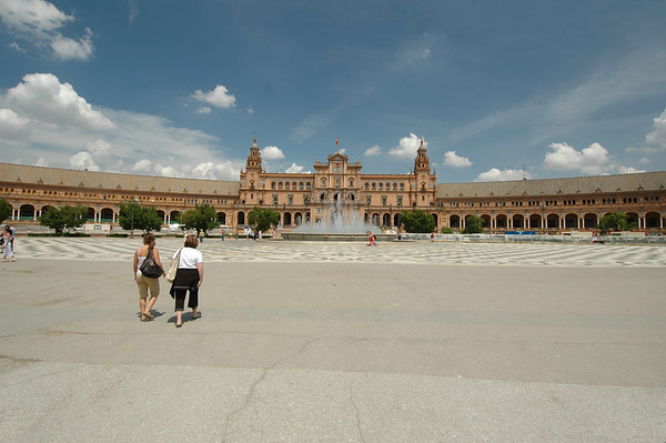 Sevilla - Plaza de Espana & Maria Luisa Park