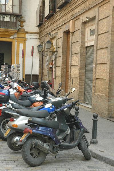 Motos, Barrio Santa Cruz