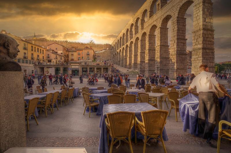 Blue Tablecloths, Segovia