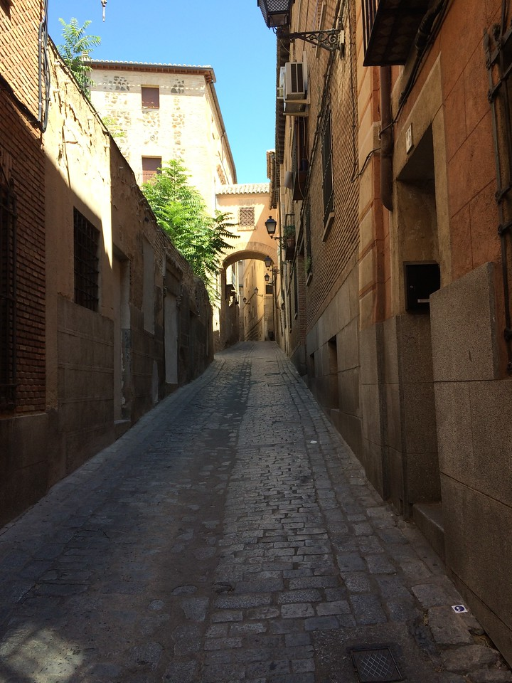 ...and up the steep street. Imagine carrying swords and ceramics with you...I mean literally!
