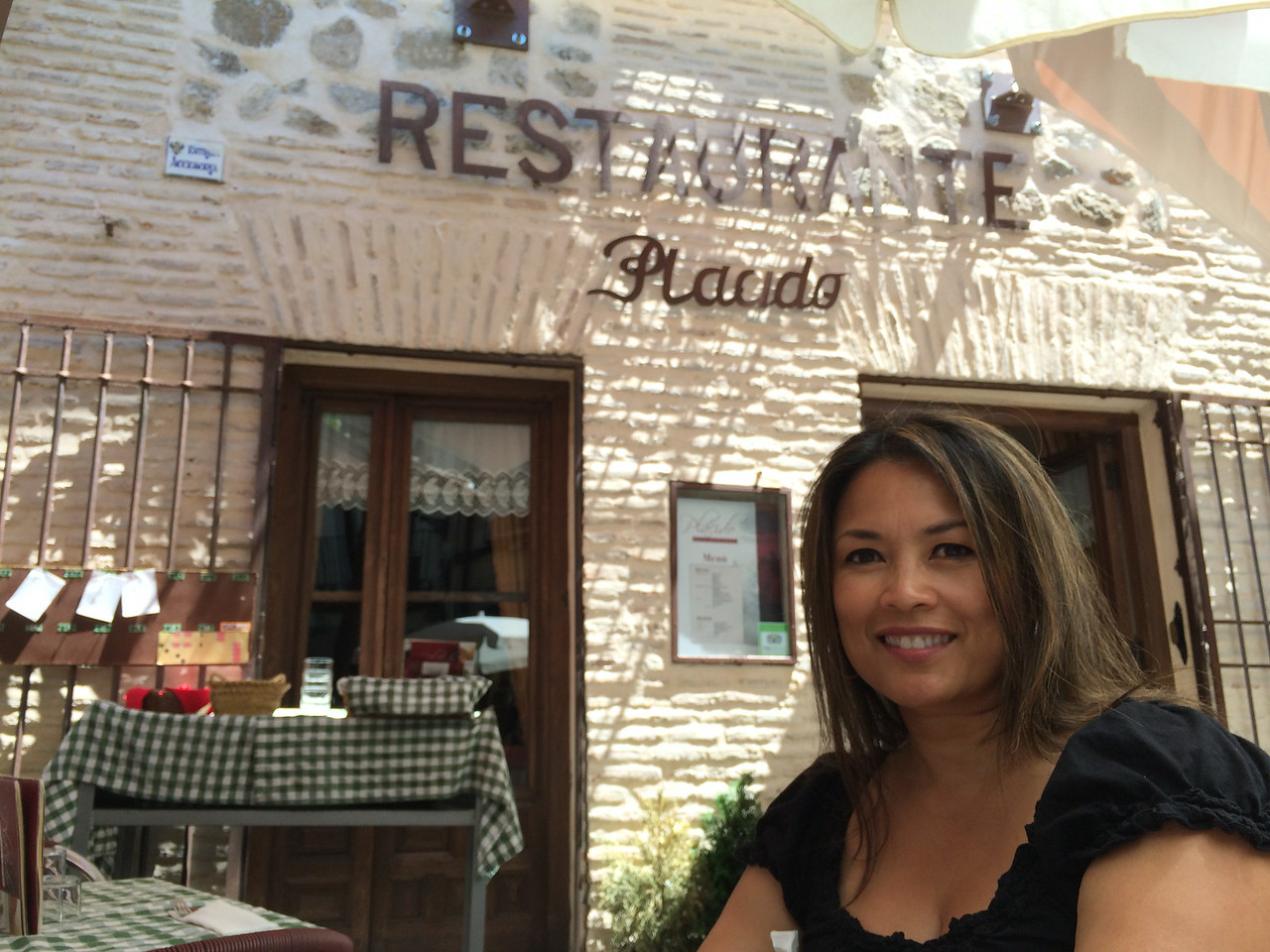 All the history, art, and architecture made us hungry. We headed back to the Jewish quarter to eat at Placido restaurant.