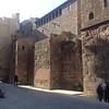 Сижу в Барселоне под древней римской стеной. Вспоминаю Перу, столицу инков Куско.