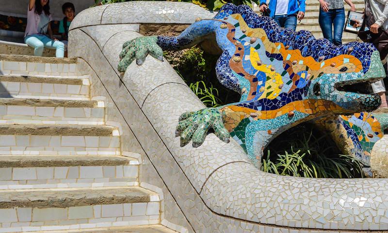 el drac gaudi park guell