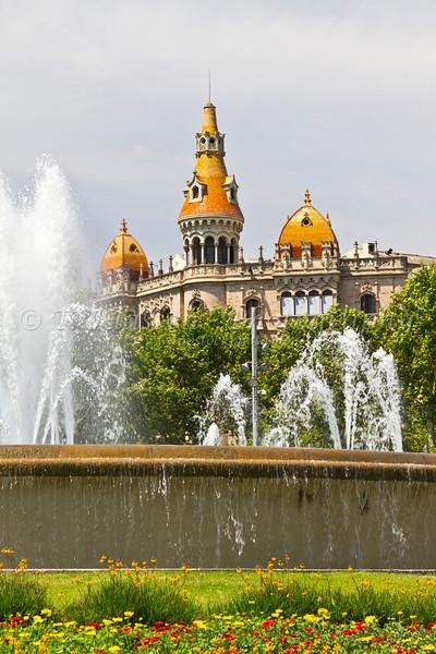Placa de Catalunya square in Barcelona, Spain.