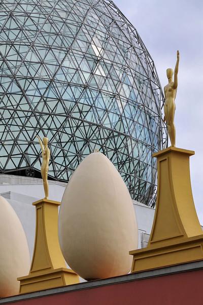 Dali's eggs