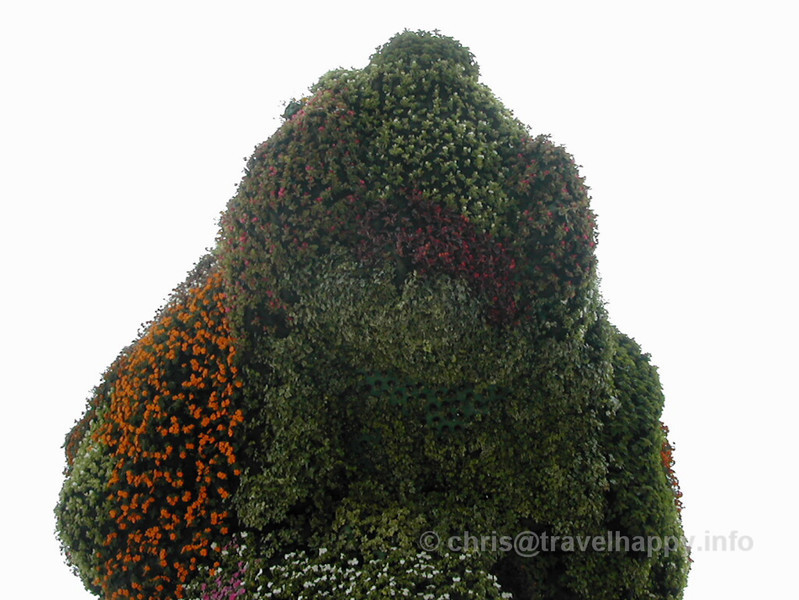 "Head of Giant Dog Made Of Flowers, Guggenheim Museum Bilbao, Spain 2002 // See more of my travels at <a href=""http://travelhappy.info"">Travel Happy</a>"