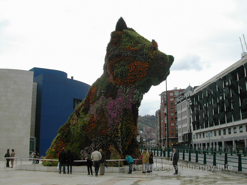 "Giant Dog Made Of Flowers, Guggenheim Museum Bilbao, Spain 2002 // See more of my travels at <a href=""http://travelhappy.info"">Travel Happy</a>"