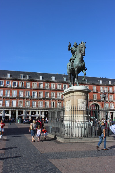 King Phillip III Statue