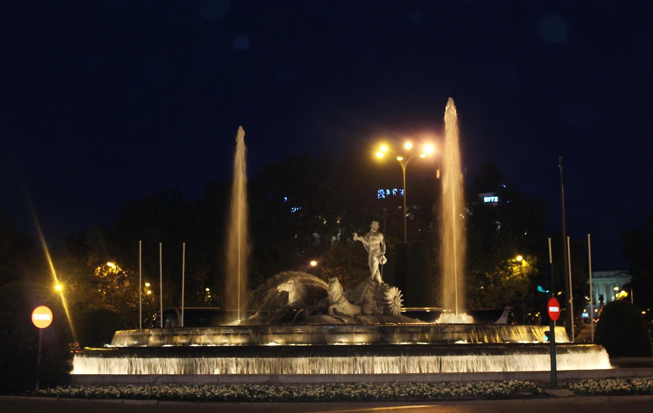Neptune Fountain at Night