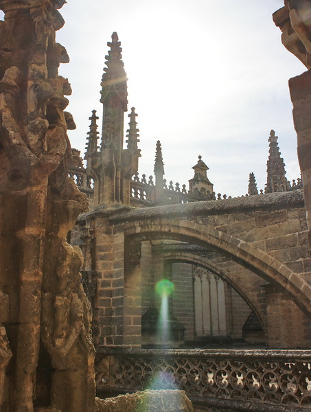 Flying Buttresses with Light Reflected