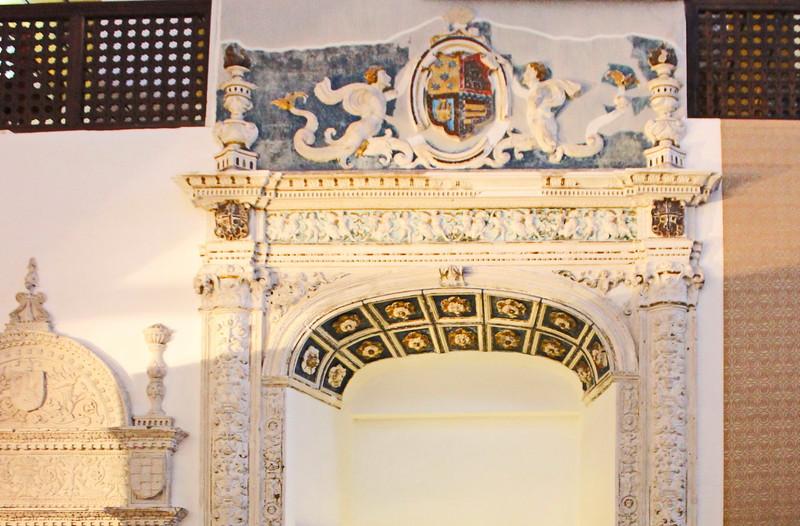 Arch below the Women's Gallery