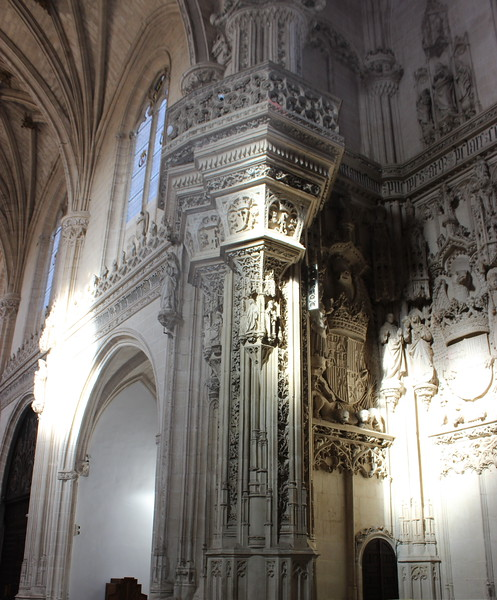 Pillar and Vaults