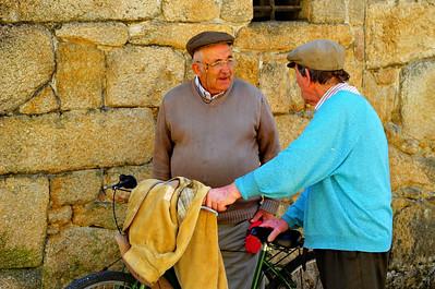 Friends meet from opposite directions, Vigo, Spain