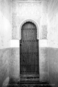 Room Cove Door, Alhambra