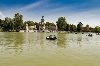 Boat Rides @ El Retiro
