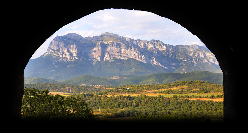 The mountains from Ainsa. 2011.