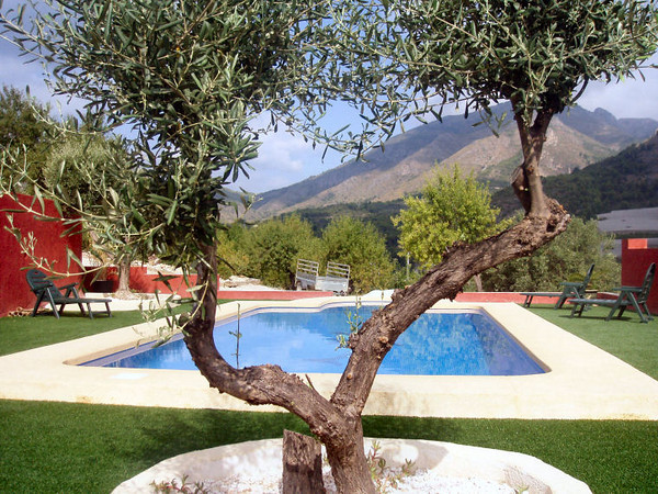 Spain Adventure Tours - Mountain views from the pool