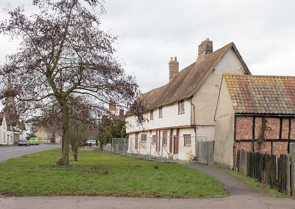 Manor Farm at threat of collapse (Feb 2014).