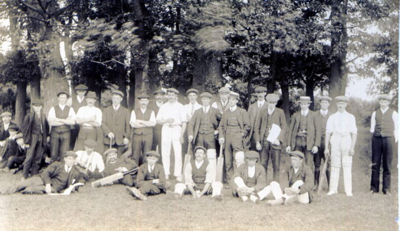 Spaldwick cricket team 19?? Provided by Elizabeth Smith