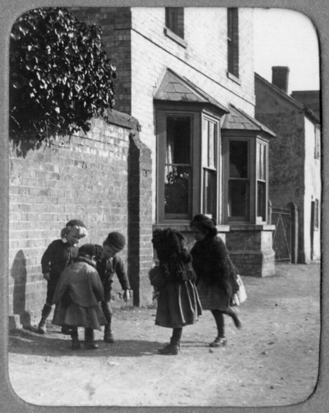 Children outside the Manse (Rev Holland). Provided by Elizabeth Smith