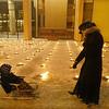 1991 sausio13-ąją  primenantys Atminimo laužų uždegimo ceremonija prie Seimo .