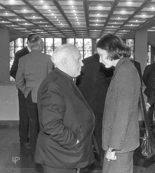 monsinjoras Kazimieras Vasiliauskas ir Ramunė Sakalauskaitė. 1996.