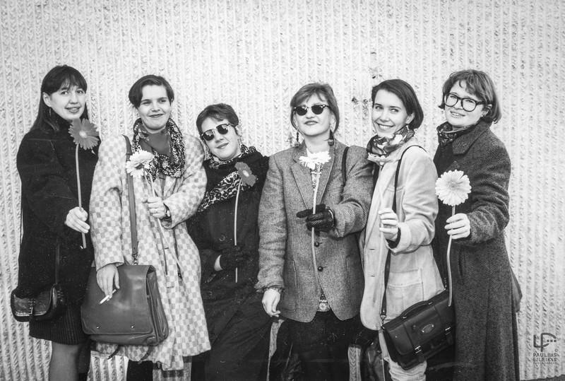 Pulkas merginų prie Vilniaus zakso...