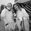 Visi į Nidos festivalį - prie autobuso Evelina Anusauskaitė ir mama fotografė Jurga Anusauskienė.
