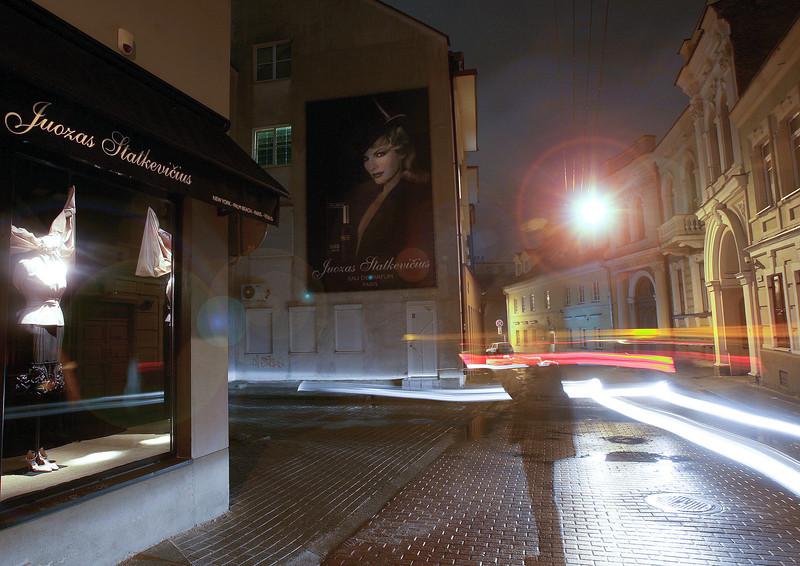 Spalvingas autoportretas  Odminių gatvelėje...