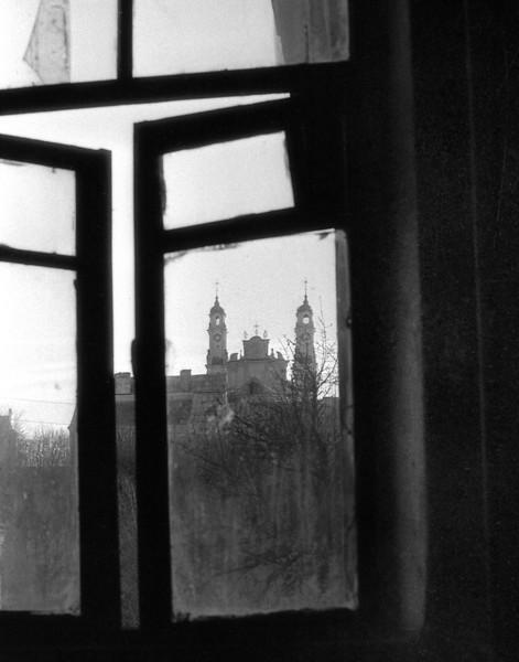 Vaizdas pro Paupio g. namo langą