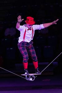 210305_043_Circus-1
