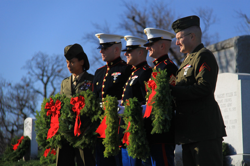 091212_ArlingtonWreaths_5942a