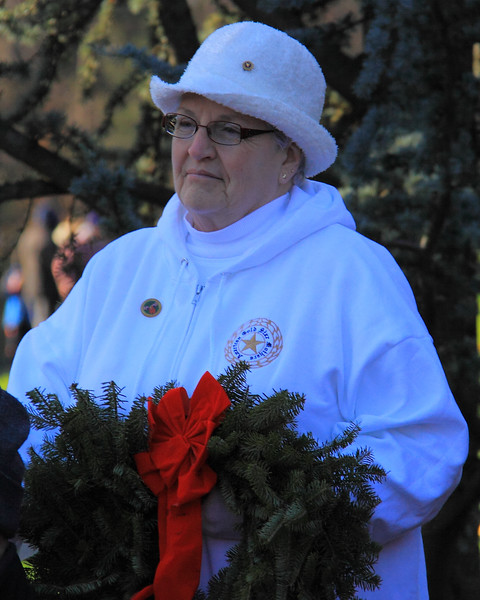 091212_ArlingtonWreaths_5952r1a
