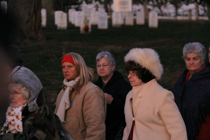 091212_ArlingtonWreaths_5820a