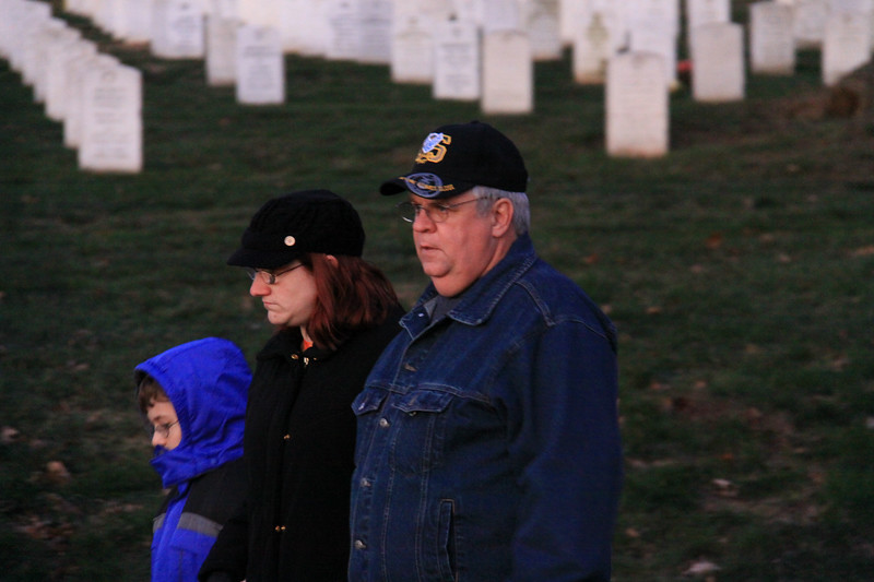 091212_ArlingtonWreaths_5819a
