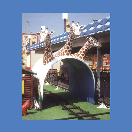 Three Headed Giraffe Tunnel  #6038