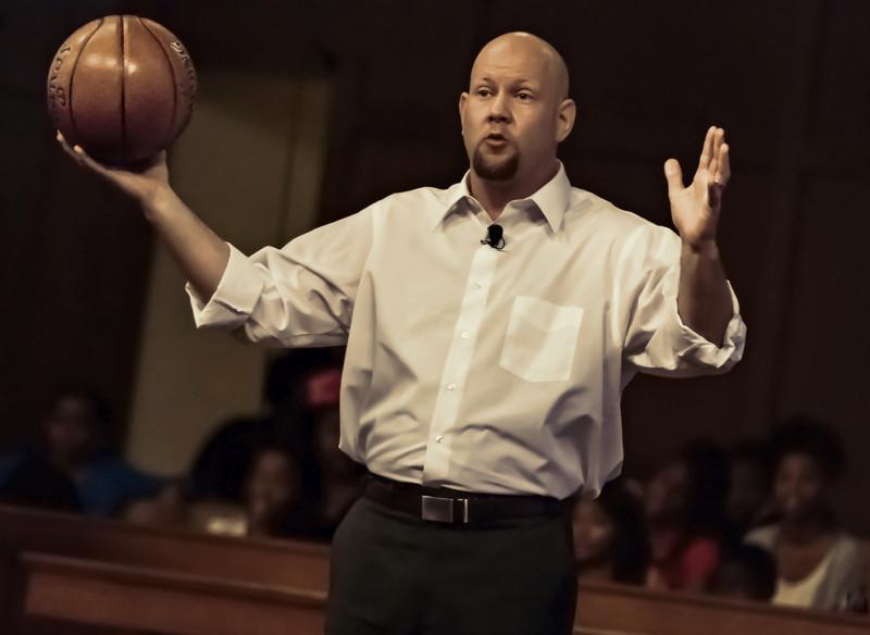 Pastor Vincent Dehm