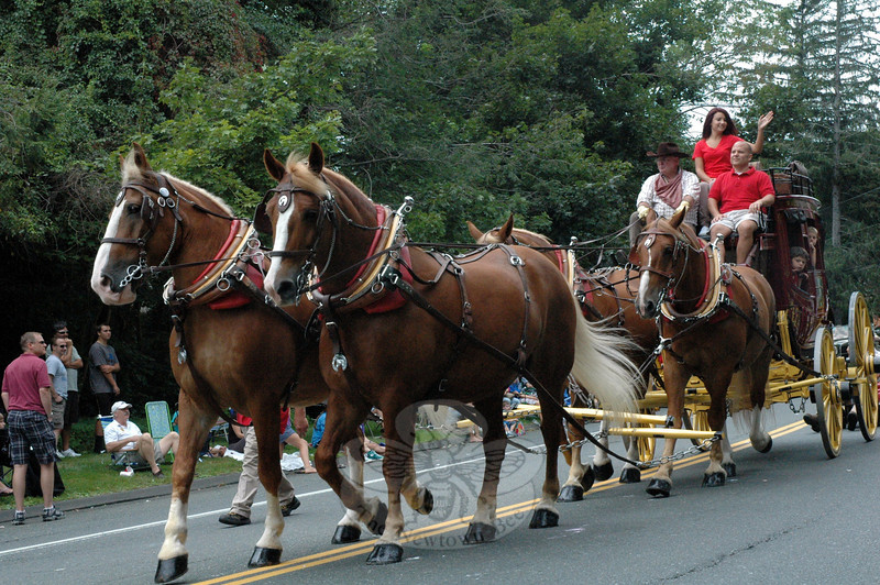 The Wells Fargo stagecoach returned to the  Labor Day Parade. (Gorosko photo)