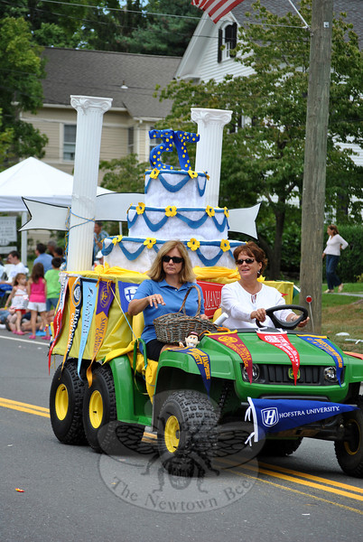 A Newtown Scholarship float at this year's Newtown Labor Day Parade. (Crevier photo)