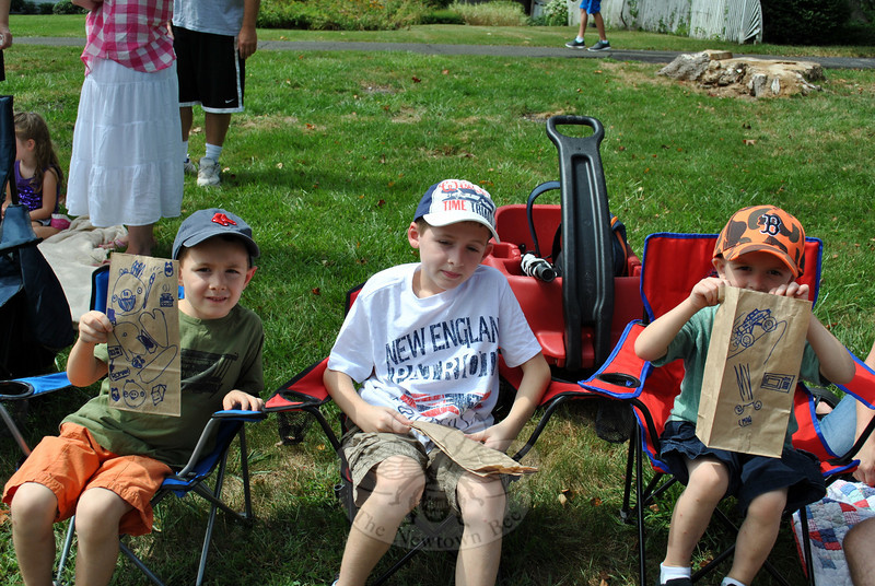 Romand, Dante, and Max Verna at this year's Newtown Labor Day Parade. (Crevier photo)
