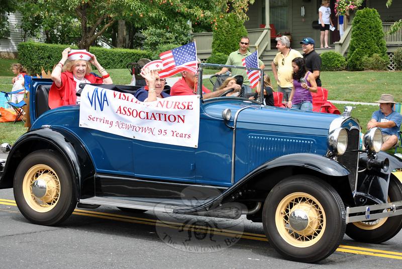 The Visiting Nurses Association at this year's Newtown Labor Day Parade. (Crevier photo)