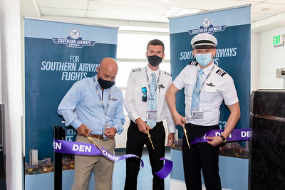 062121_Ribbon_Cutting_Southern_Airways-007