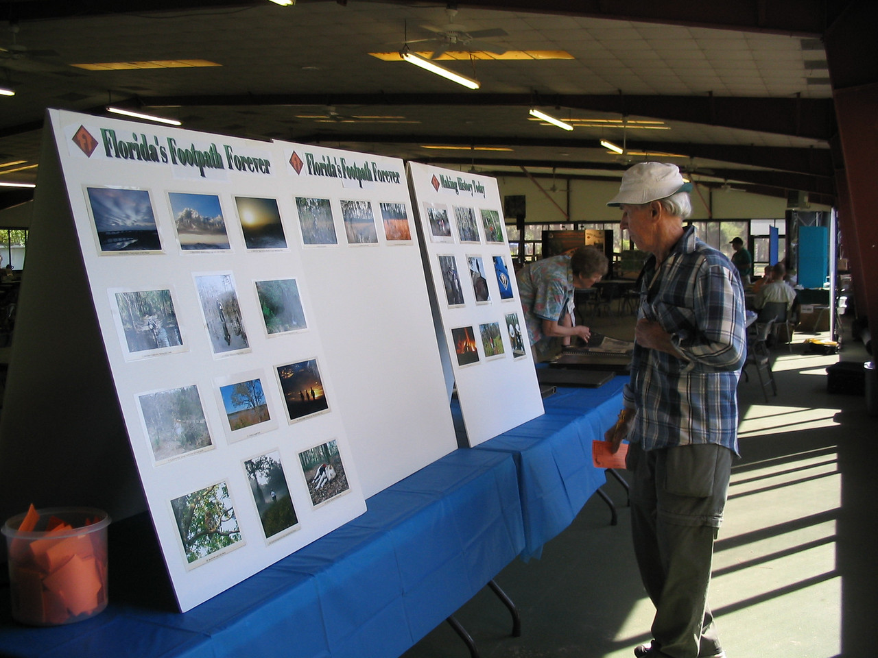 Voting in the photo contest<br /> PHOTO CREDIT: Diane Wilkins / Florida Trail Association