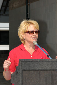 Glenna Fletcher, Kentucky's First Lady, at the 2007 Arthritis Walk in Lexington Kentucky