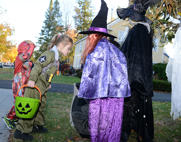 KB_Halloween 2016 -- checking candy