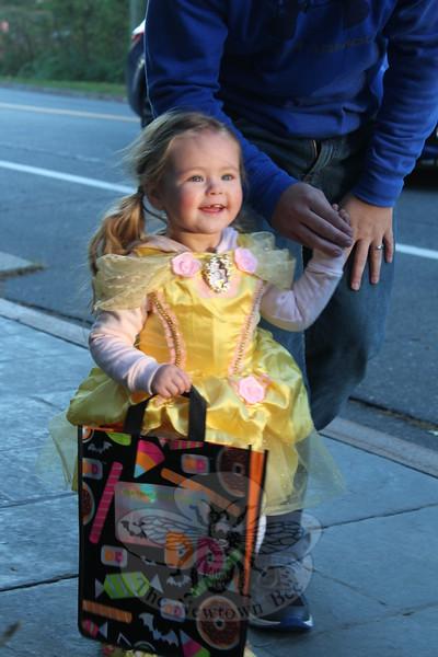SH_Halloween -- Belle
