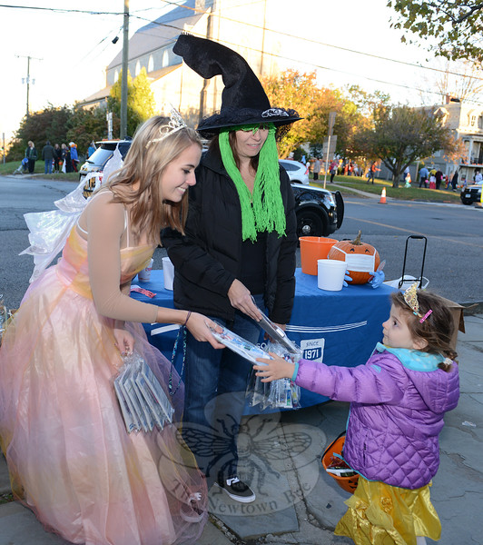 KB_Halloween -- Ives as Tooth Fairy at meeting house